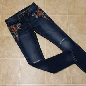 Blank NYC | Embroidered Skinny Jean | Size 27